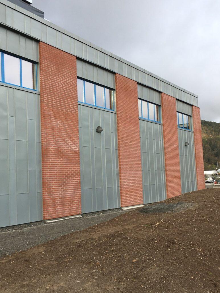 Førde Metallprodukt - båndtekking zink - Førdefjorden Energi